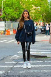 Madison Beer in Oversized Nike Sweatshirt Out in New York 2019/05/10 2