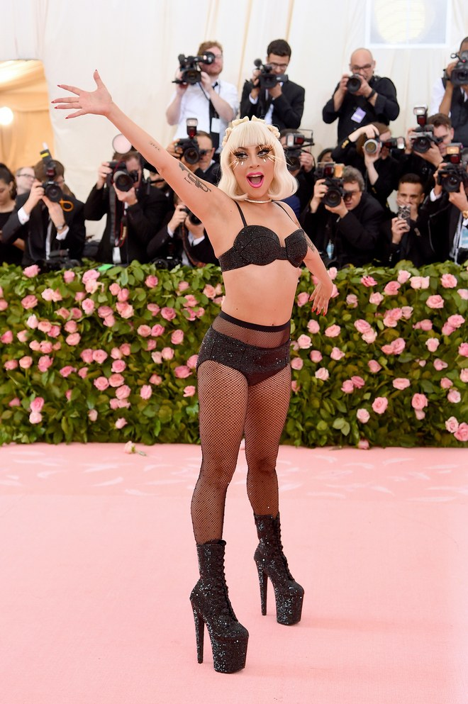 Met Gala 2019 Red Carpet: See Lady Gaga in Four Epic Looks 3