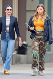 Michelle Williams with her daughter Out in New York 2019/05/06 1