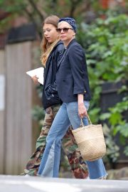 Michelle Williams with her daughter Out in New York 2019/05/06 12