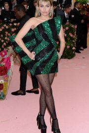 Miley Cyrus at The 2019 Met Gala Celebrating Camp: Notes on Fashion in New York 2019/05/06 1