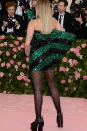Miley Cyrus at The 2019 Met Gala Celebrating Camp: Notes on Fashion in New York 2019/05/06 5