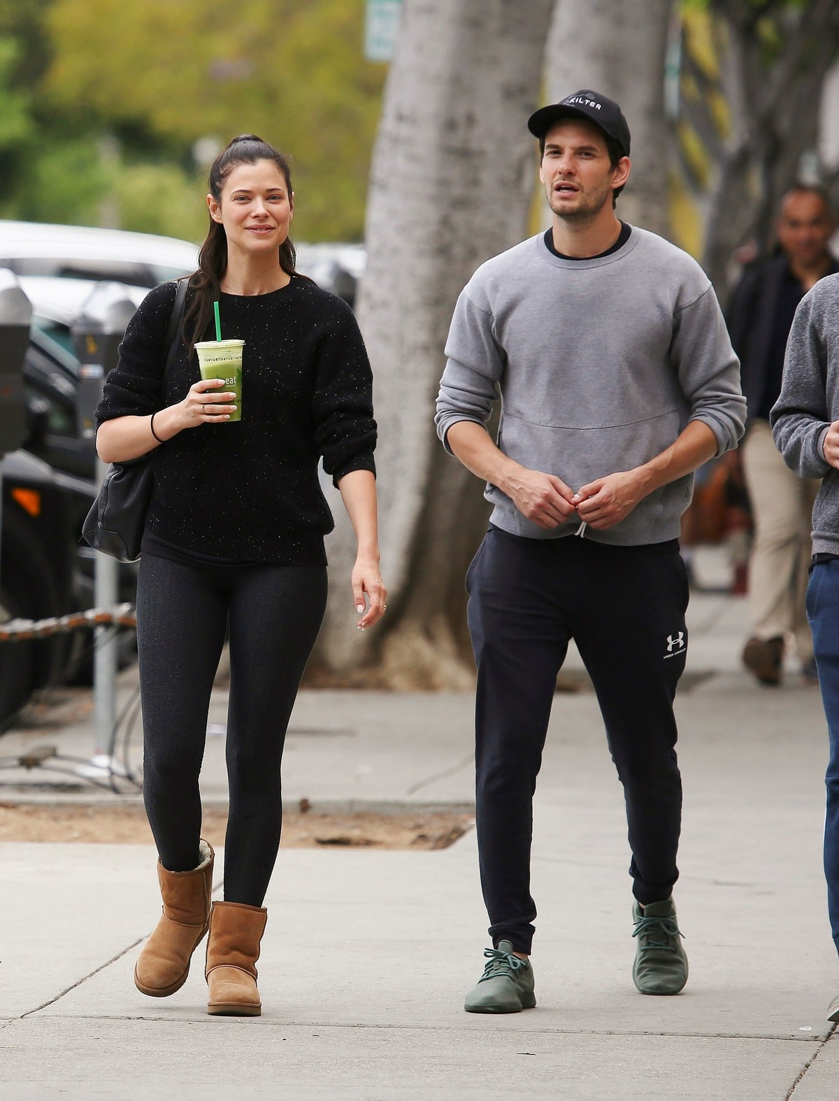 Peyton List and Ben Barnes Enjoy a Juice in Los Angeles 2019/05/09 1