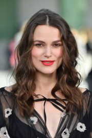 Pregnant Keira Knightley Attends The Chanel Cruise 2020 Collection: Photocall in Paris 2019/05/03 2