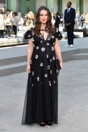 Pregnant Keira Knightley Attends The Chanel Cruise 2020 Collection: Photocall in Paris 2019/05/03 5