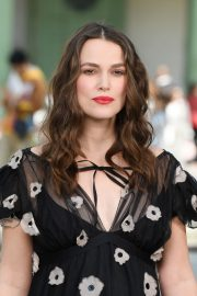 Pregnant Keira Knightley Attends The Chanel Cruise 2020 Collection: Photocall in Paris 2019/05/03 6