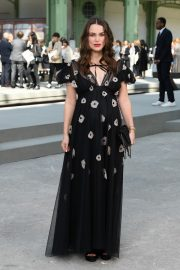 Pregnant Keira Knightley Attends The Chanel Cruise 2020 Collection: Photocall in Paris 2019/05/03 12