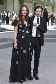 Pregnant Keira Knightley Attends The Chanel Cruise 2020 Collection: Photocall in Paris 2019/05/03 16