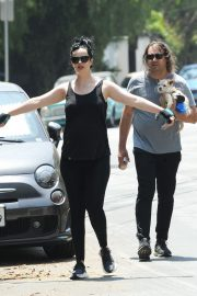 Pregnant Krysten Ritter and Adam Granduciel Out for a Workout in Los Angeles 2019/05/12 2