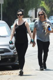 Pregnant Krysten Ritter and Adam Granduciel Out for a Workout in Los Angeles 2019/05/12 3