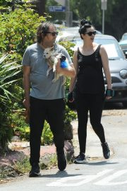 Pregnant Krysten Ritter and Adam Granduciel Out for a Workout in Los Angeles 2019/05/12 14