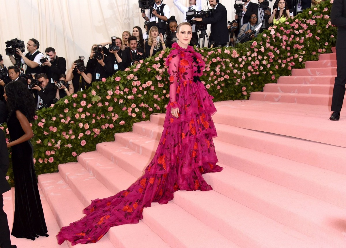 Rachel Brosnahan at The 2019 Met Gala Celebrating Camp: Notes on Fashion in New York 2019/05/06 1