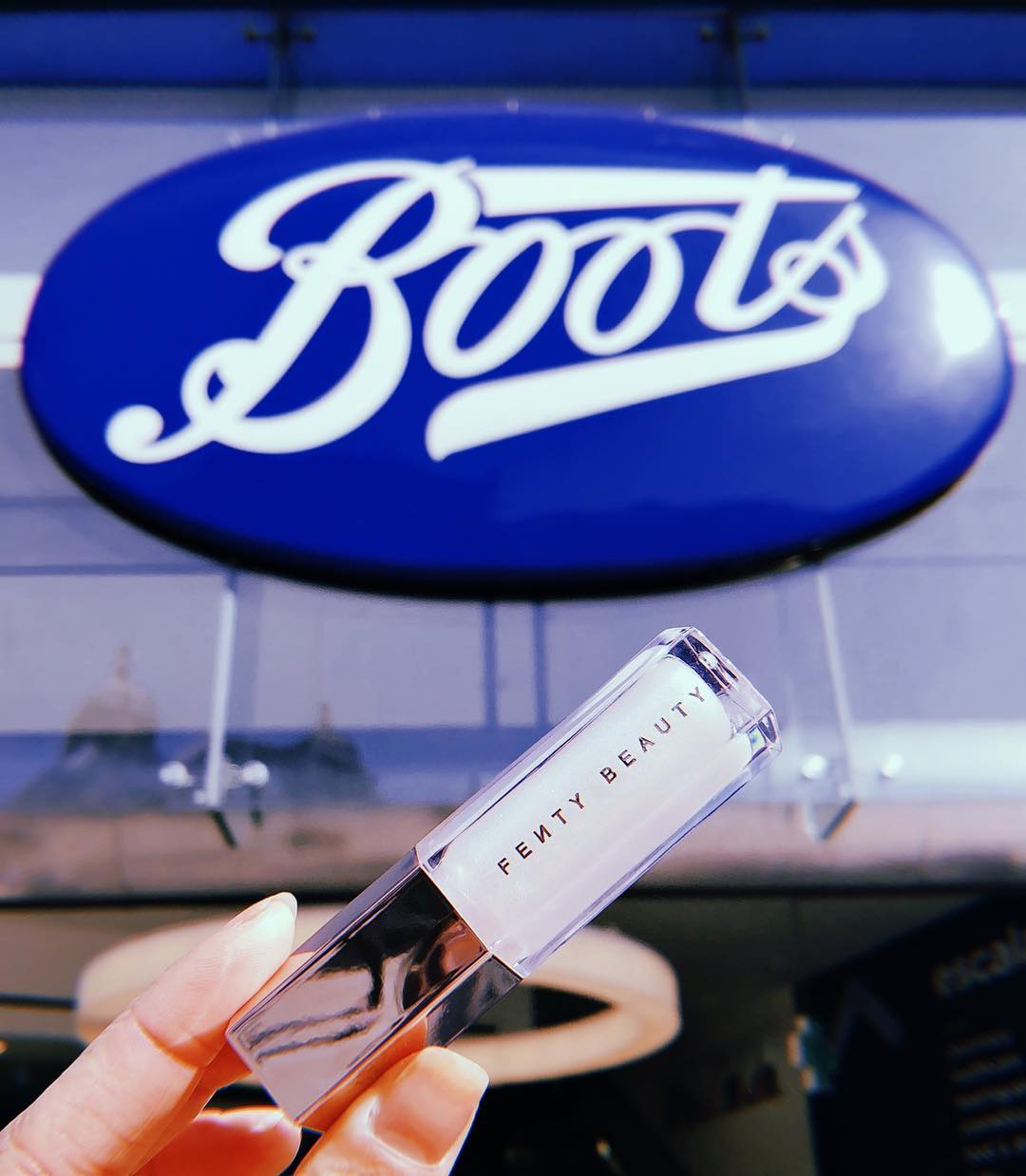Rihanna is launching Fenty Beauty at Boots UK in Next Week 1