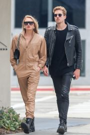 Romee Strijd Out for lunch in LA with her boyfriend 2019/05/06 1