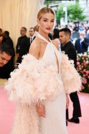 Rosie Huntington-Whiteley at The 2019 Met Gala Celebrating 'Camp: Notes on Fashion' in New York 2019/05/06 4