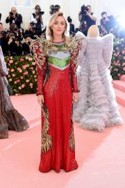 Saoirse Ronan at The 2019 Met Gala Celebrating Camp: Notes on Fashion in New York 2019/05/06 1