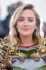 Saoirse Ronan at The 2019 Met Gala Celebrating Camp: Notes on Fashion in New York 2019/05/06 4