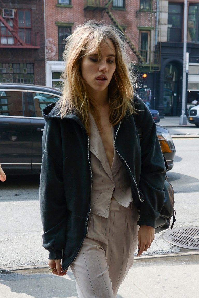 Suki Waterhouse Arrives at The Bowery Hotel in New York 2019/05/05 1