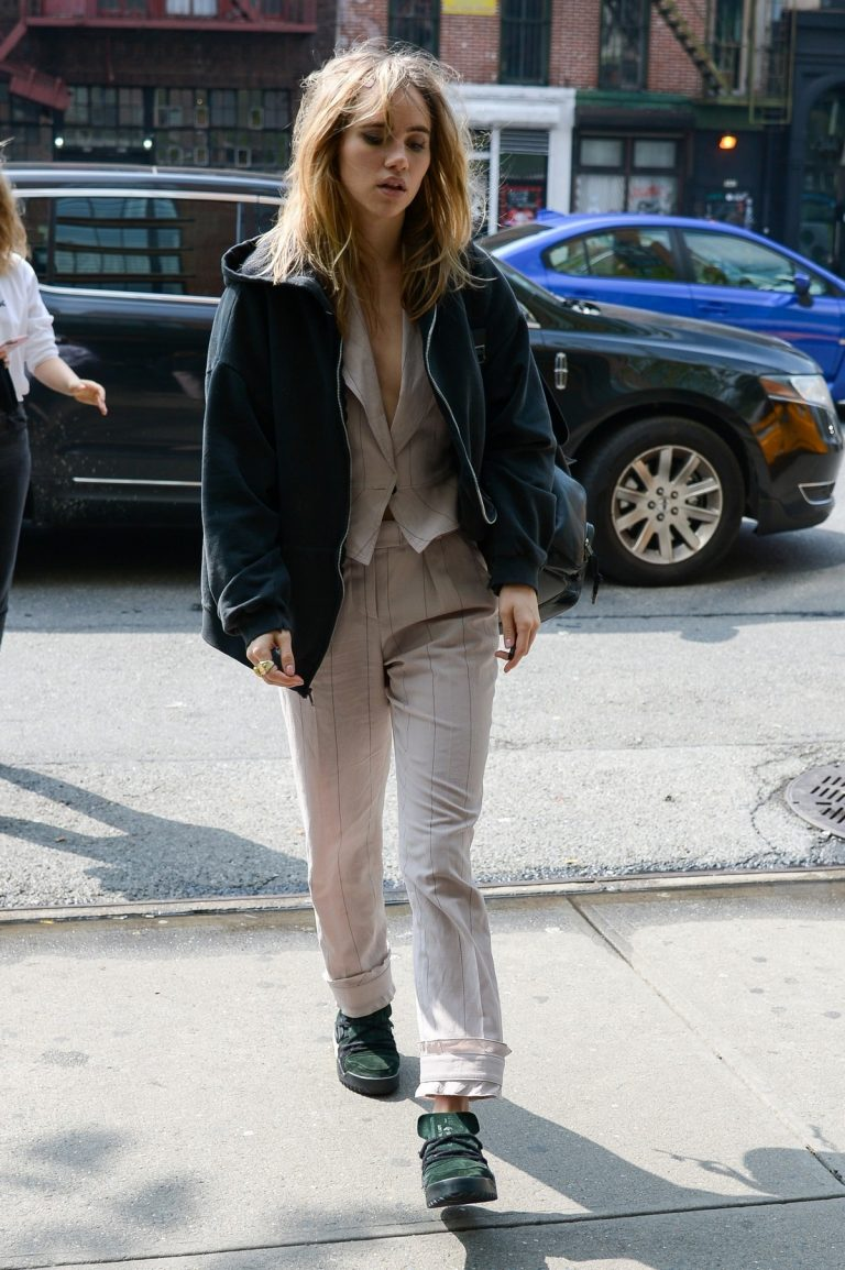 Suki Waterhouse Arrives at The Bowery Hotel in New York 2019/05/05 2