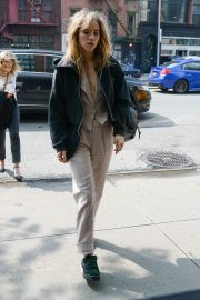Suki Waterhouse Arrives at The Bowery Hotel in New York 2019/05/05 4
