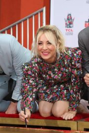 """The Big Bang Theory Cast """"Handprint Ceremony""""  at Chinese Theatre in Los Angeles 2019/05/01 1"""
