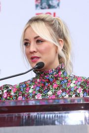 """The Big Bang Theory Cast """"Handprint Ceremony""""  at Chinese Theatre in Los Angeles 2019/05/01 5"""