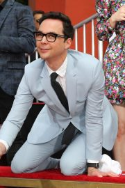 """The Big Bang Theory Cast """"Handprint Ceremony""""  at Chinese Theatre in Los Angeles 2019/05/01 8"""