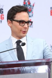 """The Big Bang Theory Cast """"Handprint Ceremony""""  at Chinese Theatre in Los Angeles 2019/05/01 11"""