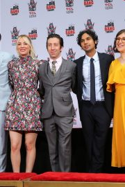 """The Big Bang Theory Cast """"Handprint Ceremony""""  at Chinese Theatre in Los Angeles 2019/05/01 16"""
