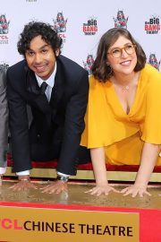 """The Big Bang Theory Cast """"Handprint Ceremony""""  at Chinese Theatre in Los Angeles 2019/05/01 17"""