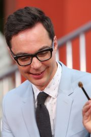 """The Big Bang Theory Cast """"Handprint Ceremony""""  at Chinese Theatre in Los Angeles 2019/05/01 21"""