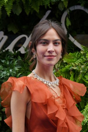 Alexa Chung attends the Chopard Bond Street Boutique Reopening in London 2019/06/17 4