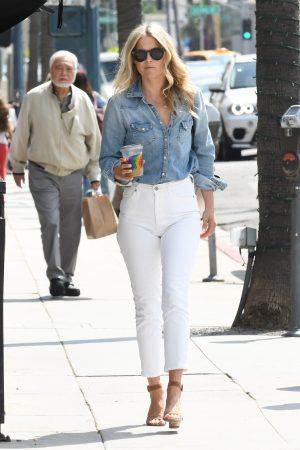 Ali Larter in Blue Denim Shirt and White Jeans Out and About in Los Angeles 2019/06/20 1