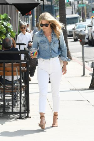 Ali Larter in Blue Denim Shirt and White Jeans Out and About in Los Angeles 2019/06/20 2
