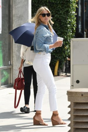 Ali Larter in Blue Denim Shirt and White Jeans Out and About in Los Angeles 2019/06/20 6