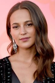 Alicia Vikander arrives Louis Vuitton x Cocktail Party in Los Angeles 2019/06/27 4