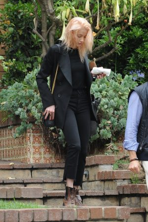 Amber Heard in Black Outfit Out for a Business Meeting in Los Angeles 2019/06/20 2