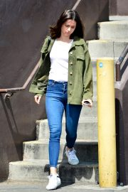 Ana de Armas in White T-Shirt and Blue Denim Out in Los Angeles 2019/06/27 7
