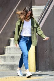 Ana de Armas in White T-Shirt and Blue Denim Out in Los Angeles 2019/06/27 8