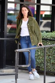 Ana de Armas in White T-Shirt and Blue Denim Out in Los Angeles 2019/06/27 13