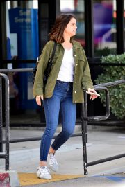 Ana de Armas in White T-Shirt and Blue Denim Out in Los Angeles 2019/06/27 16