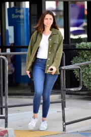 Ana de Armas in White T-Shirt and Blue Denim Out in Los Angeles 2019/06/27 17