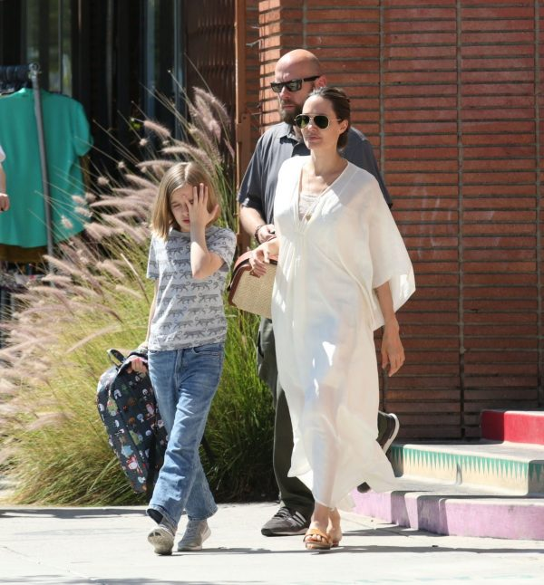 Angelina Jolie Shopping Out with Her Daughter in Los Feliz 2019/06/23 5