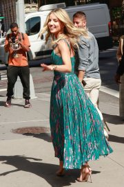 Annabelle Wallis in Beautiful Dress Out in New York City 2019/06/24 14