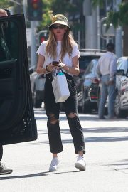 Behati Prinsloo in White Top and Ripped Jeans Out in Beverly Hills 2019/06/28 3