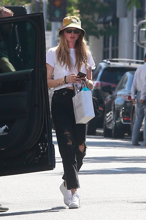 Behati Prinsloo in White Top and Ripped Jeans Out in Beverly Hills 2019/06/28 8