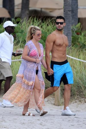 Britney Spears and Sam Asghari at Jet Ski Ride on the beach in Miami 2019/06/09 4