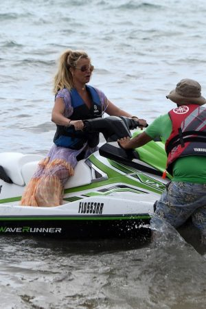 Britney Spears and Sam Asghari at Jet Ski Ride on the beach in Miami 2019/06/09 5