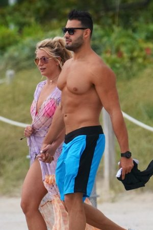 Britney Spears and Sam Asghari at Jet Ski Ride on the beach in Miami 2019/06/09 30