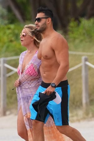 Britney Spears and Sam Asghari at Jet Ski Ride on the beach in Miami 2019/06/09 36